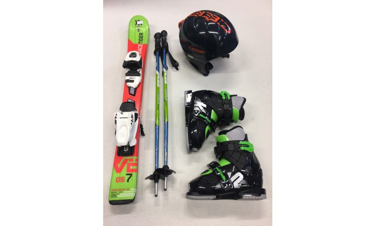 Ski + Schuhe + Stöcke + Helm      (Skilänge bis max. 110 cm)